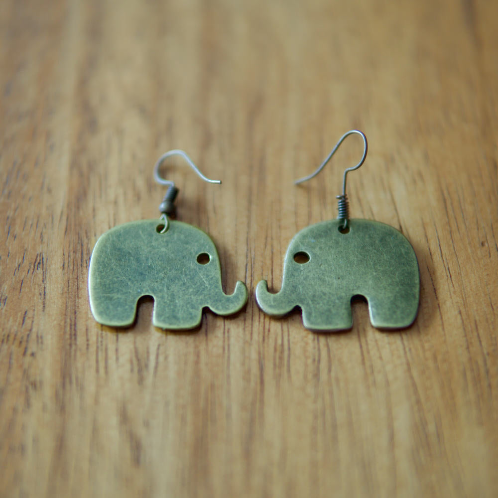 Small Chang Elephant Earrings