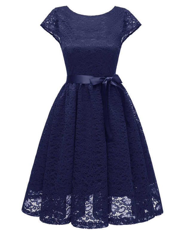 A-line Lace Short Bridesmaid Dresses with Sleeves