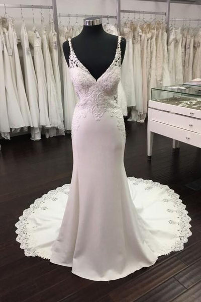 backless-sheath-wedding-dresses-beaded-lace-v-neckline
