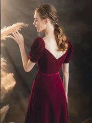 burgundy-velvet-long-prom-gowns-with-puffy-sleeves-2