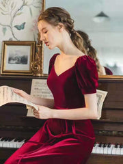 burgundy-velvet-long-prom-gowns-with-puffy-sleeves-3