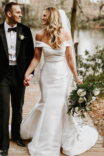classic-and-modern-off-the-shoulder-wedding-gown-with-belt