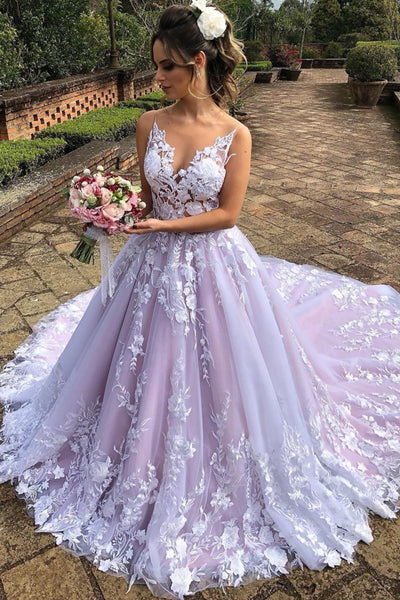 color-block-floral-wedding-gown-with-royal-train