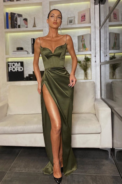 high-leg-slit-prom-dresses-with-sweetheart-neckline