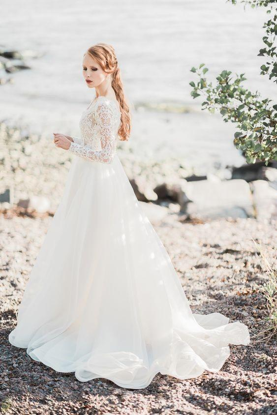 lace-long-sleeve-wedding-gown-with-v-neckline-1