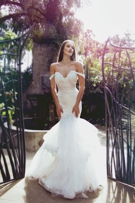 lace-off-the-shoulder-mermaid-wedding-dress-with-layered-tulle-skirt