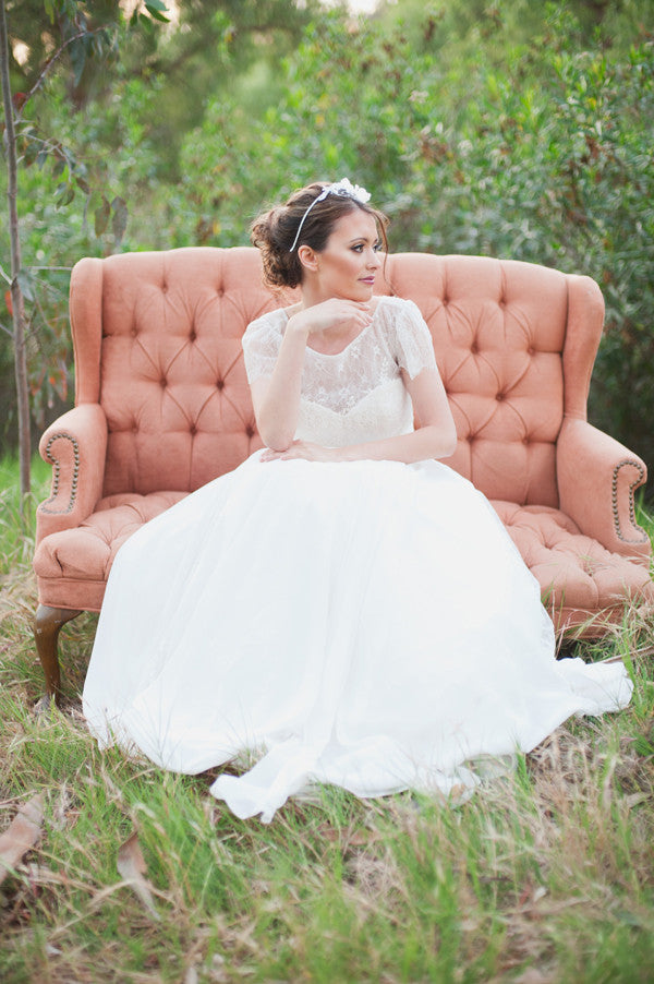 Lace Short Sleeves Bride Dress with Chiffon Skirt