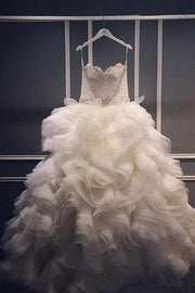 lace-sweetheart-ball-gown-wedding-dress-with-ruffled-organza-skirt-1