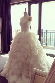 lace-sweetheart-ball-gown-wedding-dress-with-ruffled-organza-skirt