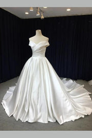 off-the-shoulder-satin-wedding-gown-with-royal-train