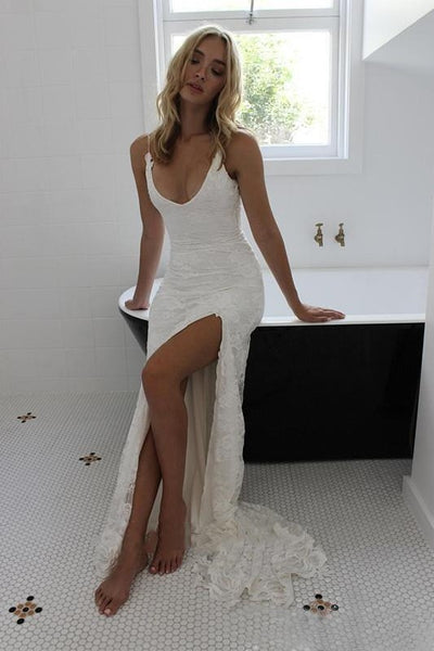 open-back-lace-boho-wedding-dresses-with-high-thigh-slit