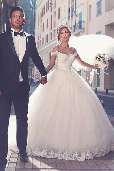 princess-off-the-shoulder-lace-wedding-gown-with-tulle-skirt