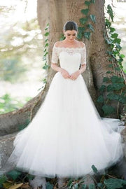 scalloped-lace-off-the-shoulder-wedding-gown-dress-with-tulle-skirt