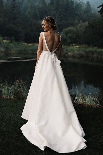 simple-outdoor-wedding-dresses-with-v-neck-1