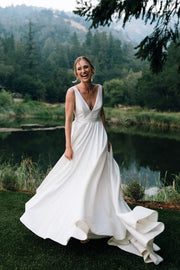 simple-outdoor-wedding-dresses-with-v-neck