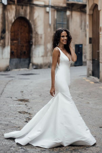 Sleek Satin Mermaid Wedding Dresses with V-neckline