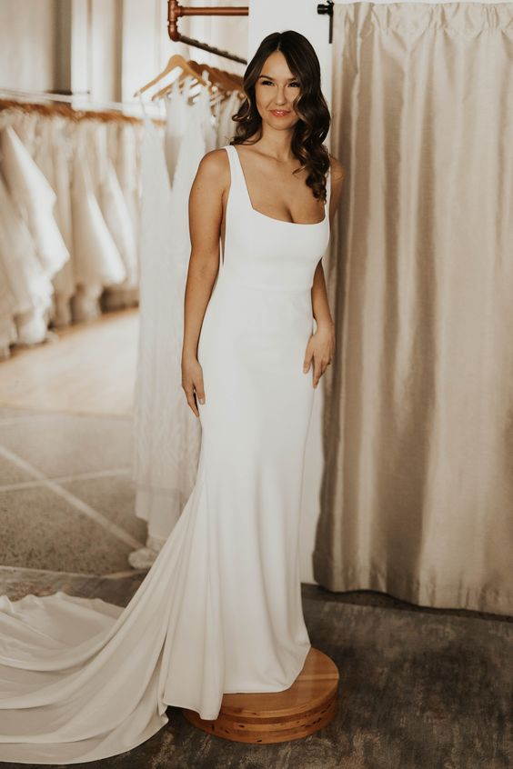 square-neck-simple-bridal-dresses-for-wedding-with-sweep-train