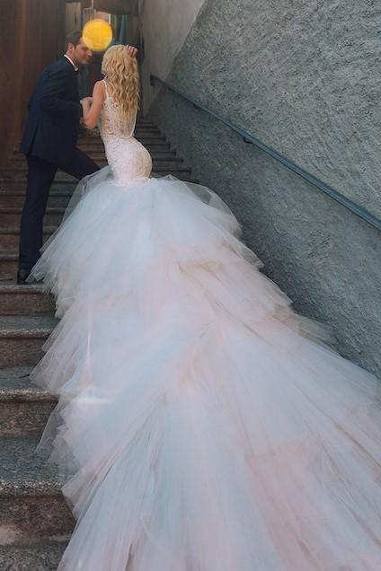 tulle-and-lace-mermaid-wedding-dresses-long-train