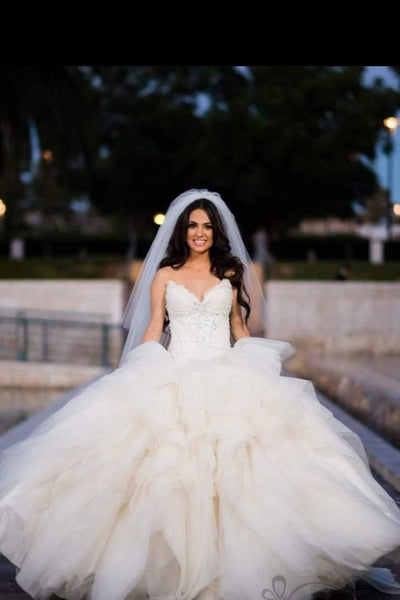tulle-ruffles-wedding-dress-ball-gown-with-lace-sweetheart-bodice