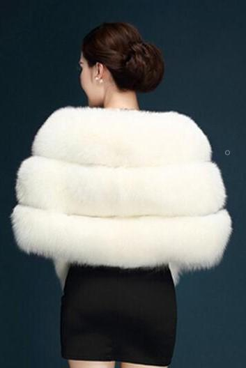 warm-fur-bridal-shawl-in-stock-wedding-cape-1
