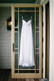 white-chiffon-long-wedding-dress-for-golf-course-2