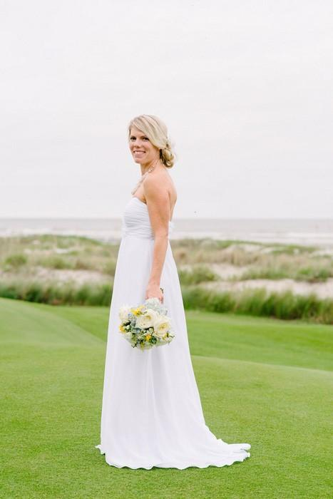 white-chiffon-long-wedding-dress-for-golf-course