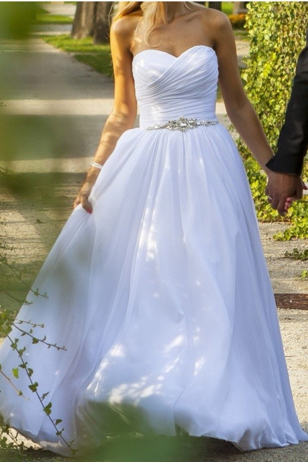 white-chiffon-wedding-dresses-with-pleated-bodice