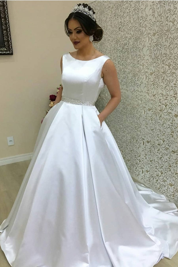 white-satin-wedding-gown-style-with-modern-pockets