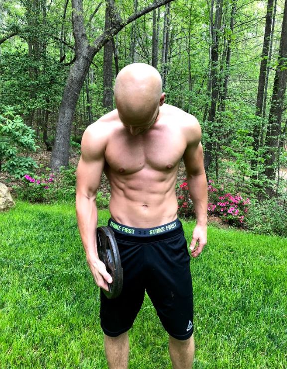 At-home-abs with EC Athlete Jesse