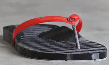 Load image into Gallery viewer, Retrraction Footwear 3D Printed Thongs Black on Red