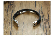 Load image into Gallery viewer, Personal Memories Leather Bracelet with Engraved Custom Stainless Steel Bar