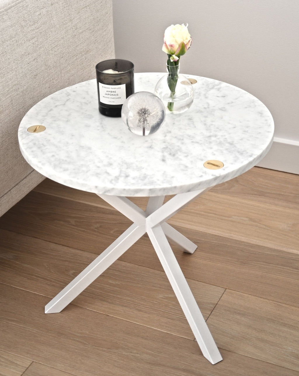 NEB Round Side Table with Top in Carrara Marble