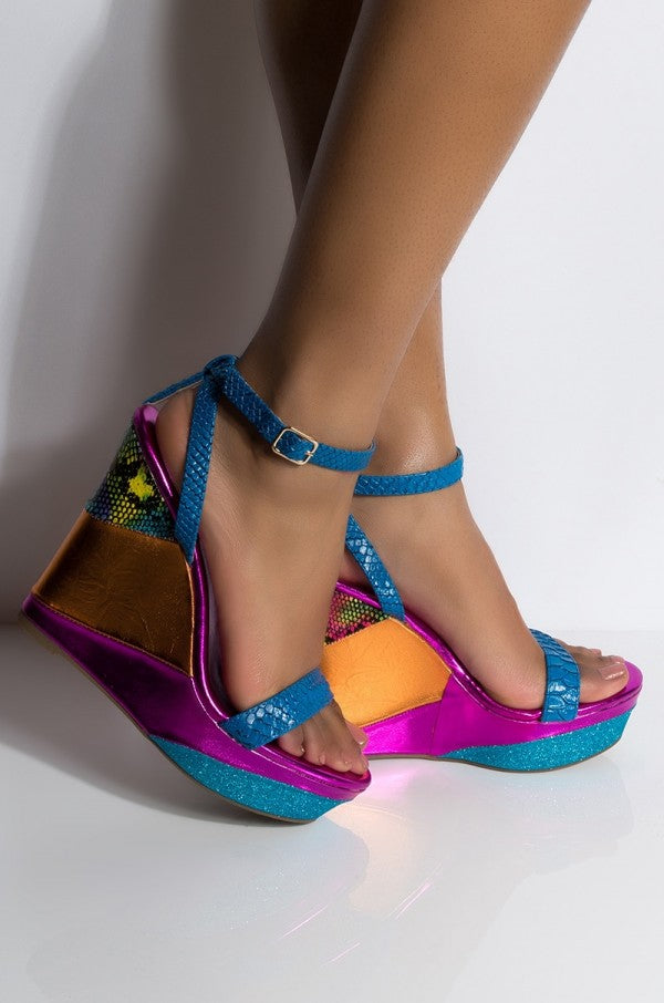 Parker Multi Color Wedge