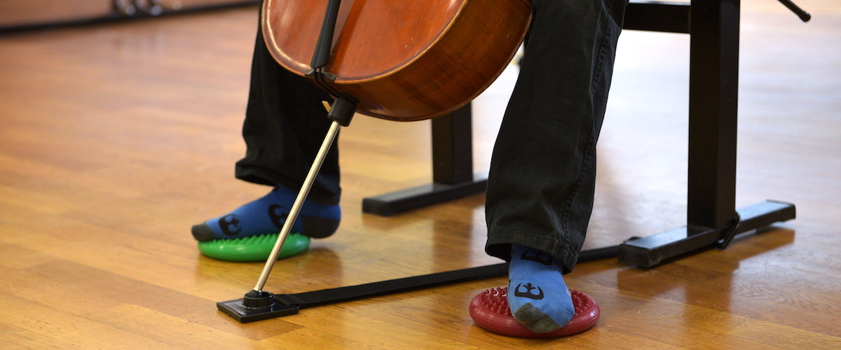 Finding-balance-while-cello-playing