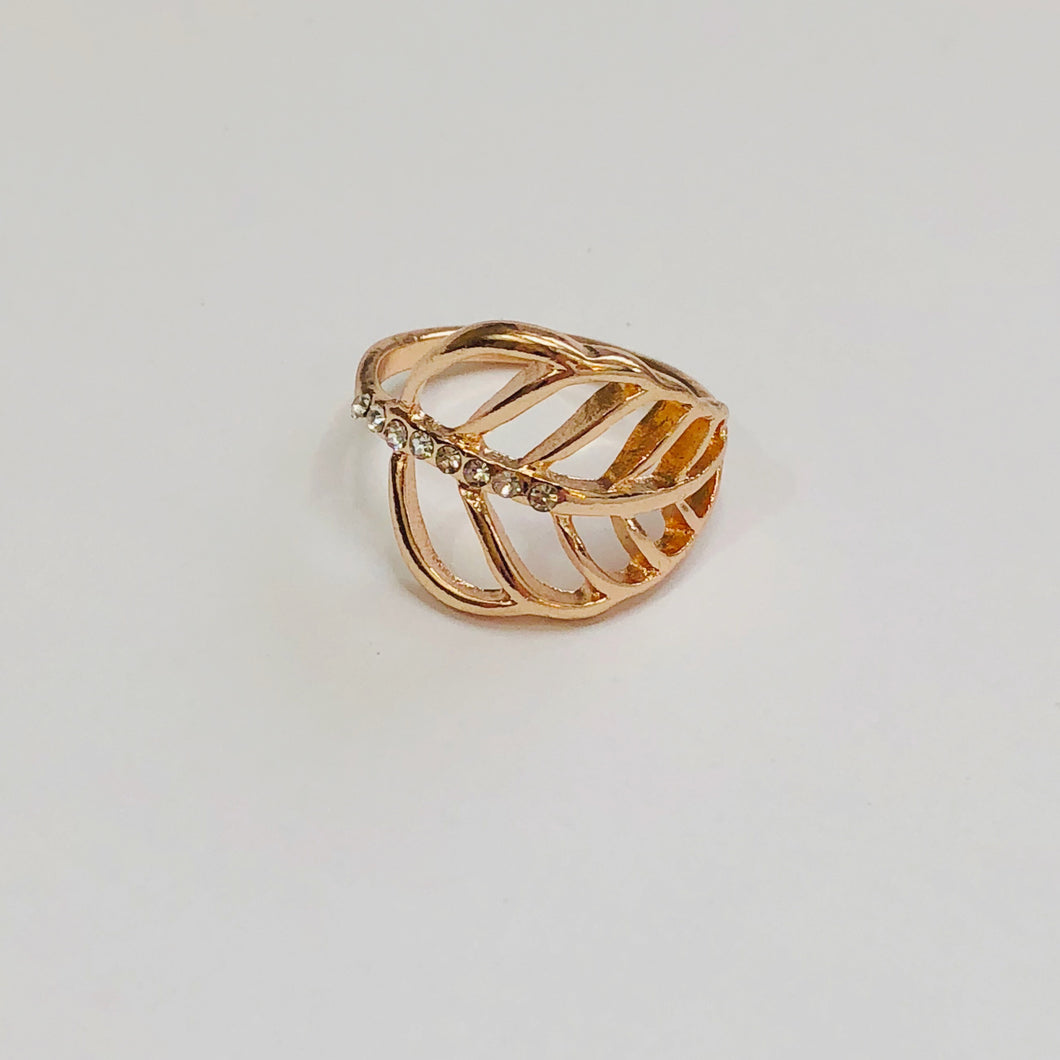 Single Leaf Strand Ring