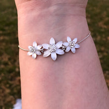 Load image into Gallery viewer, Floral Bracelet
