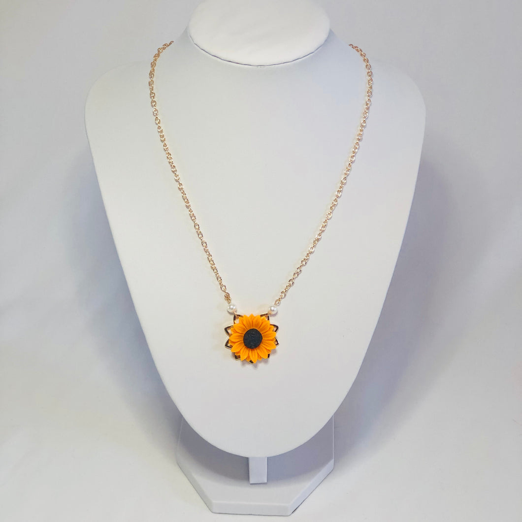 Susana Sunflower Necklace