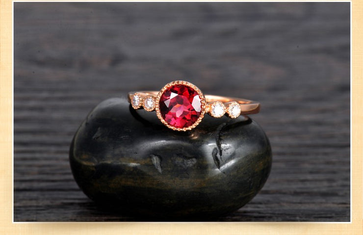 1 Carat Ruby and Moissanite Diamond Antique Engagement Ring in Gold