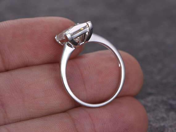 1 Carat Solitaire Moissanite Wedding Ring for her