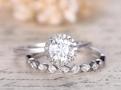 New Style 1.50 Carat Moissanite and Diamond Wedding Set