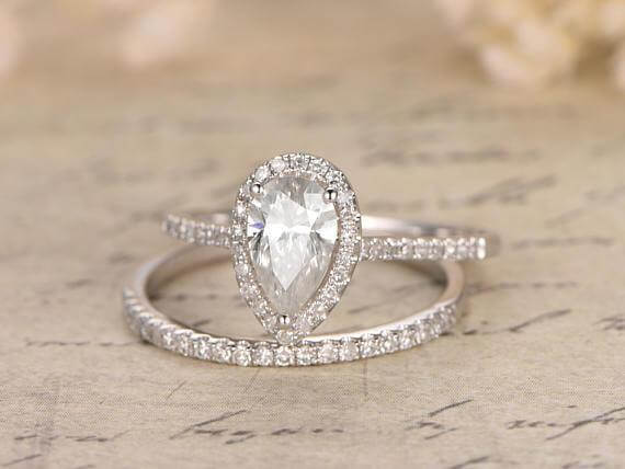 Best Seller 1.50 Ct Pear cut Moissanite and Diamond Bridal Set in White Gold