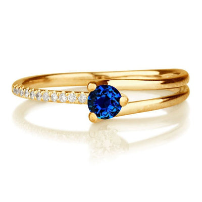 1.25 carat Round Cut Sapphire and Moissanite Diamond Engagement Ring in 10k Yellow Gold