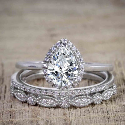 Best Seller Pear Cut 2.50 Carat Moissanite and Diamond Wedding Trio Ring Set