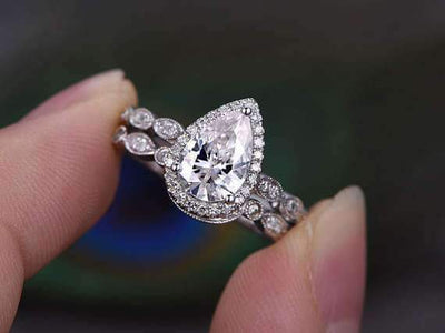 Popular 2 Carat Moissanite and Diamond Artdeco Bridal Set