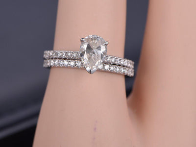 Pear cut 1.50 Carat Moissanite and Diamond Bridal Ring Set