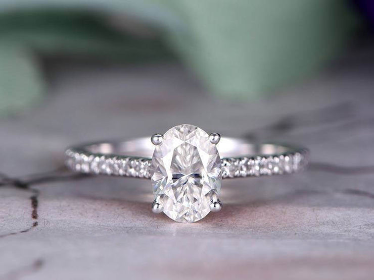 Antique Style Oval cut 1.25 ct Moissanite & Diamond Engagement Ring in White Gold