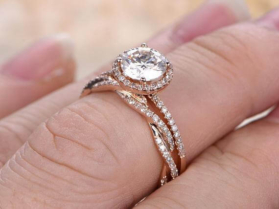 Art deco 1.50 Carat Halo Moissanite & Diamond Wedding Ring Set in Rose Gold