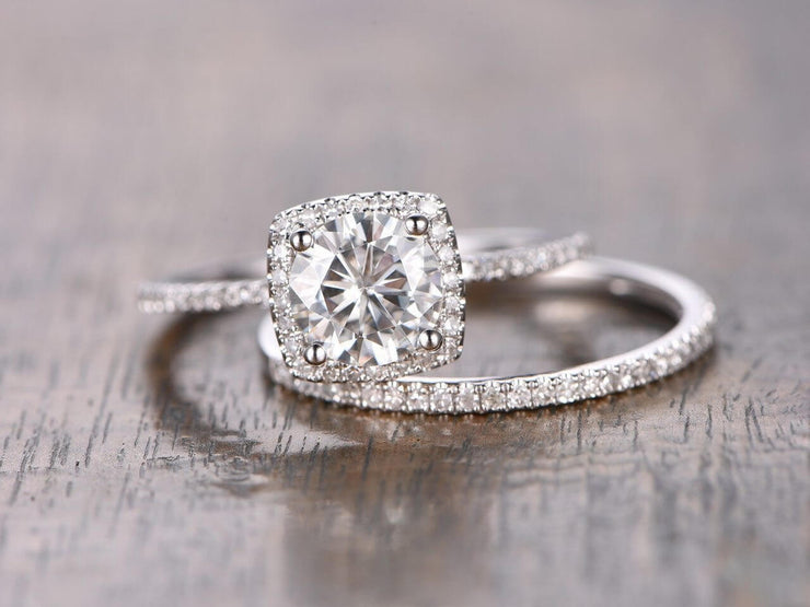 Trendy 1.50 Carat Halo Moissanite & Diamond Engagement Ring Set in White Gold