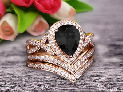 Milgrain 10k Rose Gold 2.25 Carat Black Diamond Moissanite Engagement Ring Trio Set Wedding Ring Pear Shape Natural Pink Black Diamond Moissanite Ring Curved V-Shape Stacking Matching Wedding Band Art Deco Halo Ring