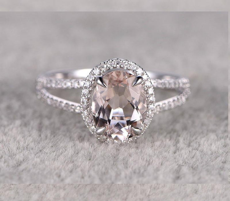 1.50 carat Oval Cut Morganite and Diamond Engagement Ring for Women